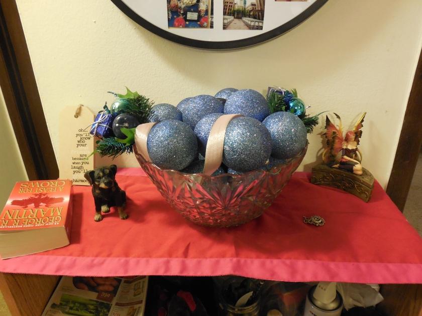 Bowl of Balls 2 (blue glitter)